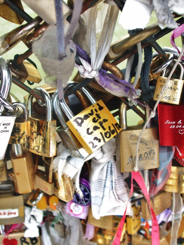 kinky Paris: padlocks of love